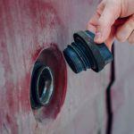 """Смолянин """"подбил"""" подростка на кражу топлива из автомобилей"""