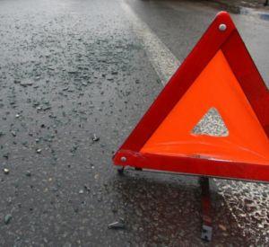 Две иномарки и отечественная легковушка столкнулись на трассе под Смоленском