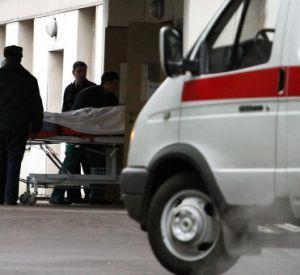 20-летнего парня доставили в больницу с колотыми ранами