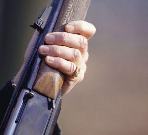 Случайный выстрел убил женщину