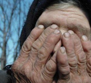 Семья мошенников воспользовалось доверием старушки
