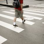 Десятилетний ребенок попал под колеса автомобиля