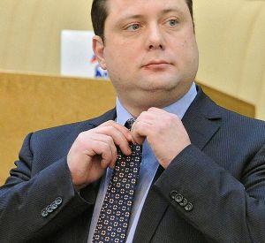 Алексей Островский вошел в тройку самых высокооплачиваемых и разбогатевших губернаторов