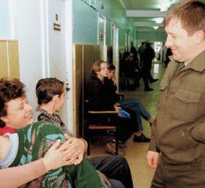 Уклонистам от армии запретили 10 лет работать на госслужбе