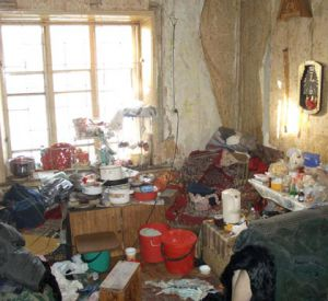 Гостеприимная смолянка превратила квартиру в наркопритон