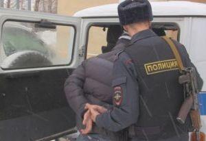 21-летний парень в маске ограбил торговый павильон в Рославле