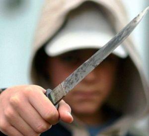 Подростки украли у школьника мобильный телефон