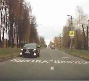 Автоледи в Смоленске разъезжала по «встречке» (видео)