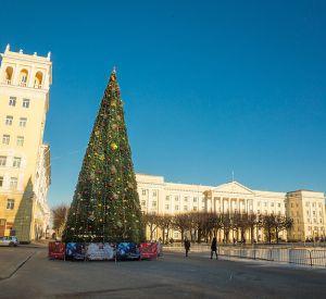 Главная новогодняя елка переедет к «Современнику»