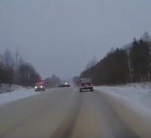 Видео: Последствия аварии попали в объектив видеорегистратора