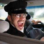 Таксист и пассажирка не смогли договориться и подрались