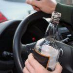 Пьяный угонщик протаранил патрульный автомобиль