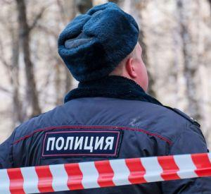 Возле многоэтажного дома найдено тело мужчины