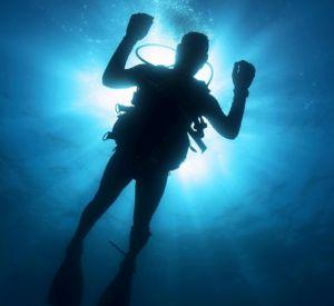 Спасатели извлекли из воды утопленника
