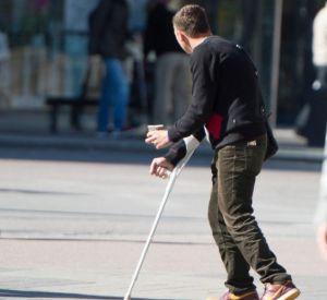 В Смоленске злоумышленник обокрал инвалида в переходе