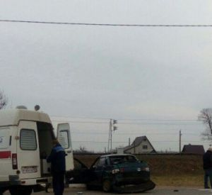 В Рославльском районе столкнувшиеся машины сбили женщину