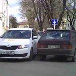 Видео: Водитель такси решил проехать по «односторонке»
