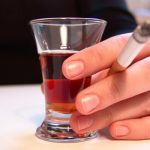 В России ожидается рост цен на сигареты, алкогольные напитки и топливо