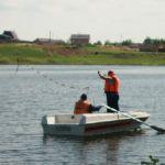 Водолазы нашли в озере тело мужчины