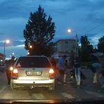 Видео: Автомобилист сбил собаку на дороге