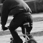 Бездомный украл бесхозный велосипед
