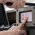 В водительские права хотят встроить микрочипы
