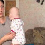 Первый канал рассказал о смолянке, которую сожитель оставил на улице с двумя малолетними детьми (видео)