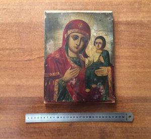 Украинец попытался вывезти за границу старинную Смоленскую икону