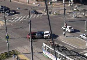 В Смоленске на Медгородке столкнулись три автомобиля