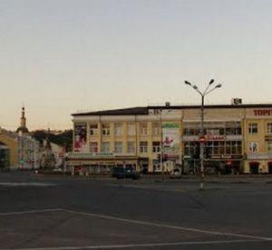 В Смоленске за место на парковке чуть не зарезали мужчину