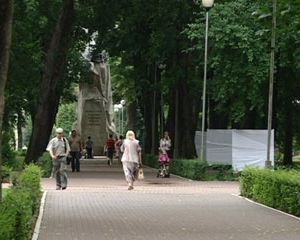 В Смоленске появились стелы с именами героев России и Советского Союза