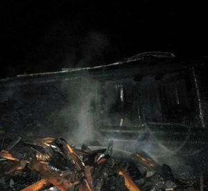 В Смоленской области от молнии сгорел сарай с сеном и дровами