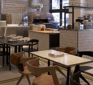 В привокзальных кафе Смоленска и Вязьмы продавали просроченные продукты