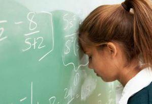 Смоленская школьница упала в голодный обморок на уроке