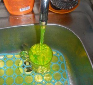Вода в кранах позеленеет