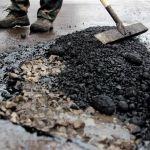 Горожане смеются над ремонтом дороги