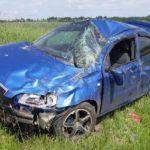 В Смоленском районе автоледи и подросток вылетели в кювет