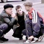 Трое приятелей ограбили прохожего в Вязьме
