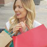 Жительница Смоленской области потратила на шопинге больше 80 000 рублей