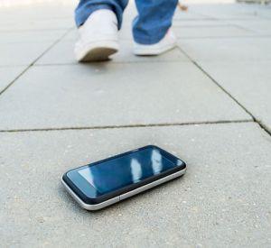 За найденный мобильник местному жителю грозит уголовное наказание