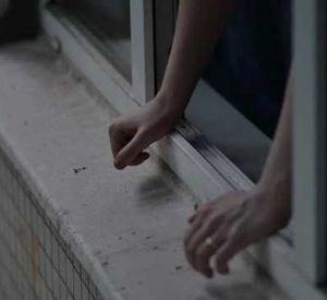 В Заднепровском районе молодой мужчина упал с высоты седьмого этажа