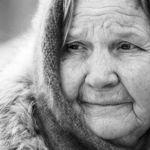Смоленскую пенсионерку избили в квартире родственников