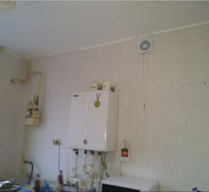 Матери-сироте из Ярцева активисты ОНФ помогли добиться ремонта квартиры