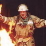 Жительница Смоленской области пострадала, пытаясь выбраться из горящего дома