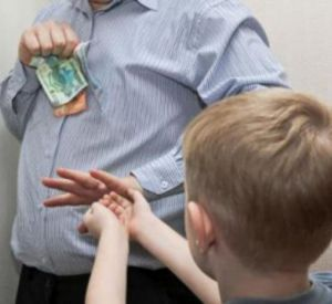 Смолянина вынудили оплатить крупный долг по алиментам