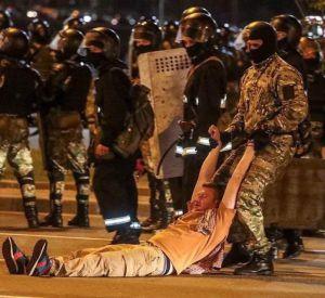 Какое наказание грозит смоленскому журналисту, которого избил минский ОМОН?
