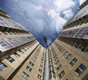 В Смоленске мужчина погиб после падения с балкона