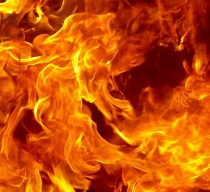 Видео: На АЗС загорелся УАЗик