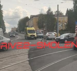В Смоленске на перекрестке сбили велосипедиста