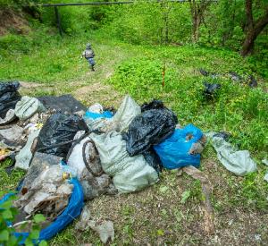 Из Рачевского оврага убрали 15 тонн мусора
